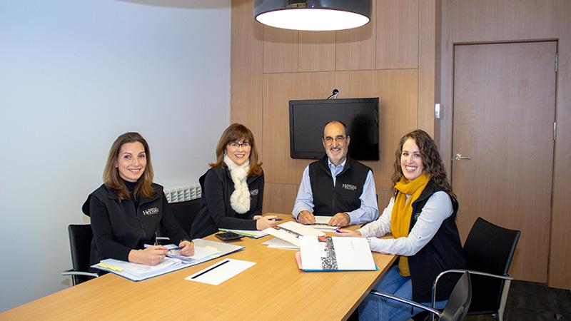 Foto de los trabajadores que forman el equipo de administración