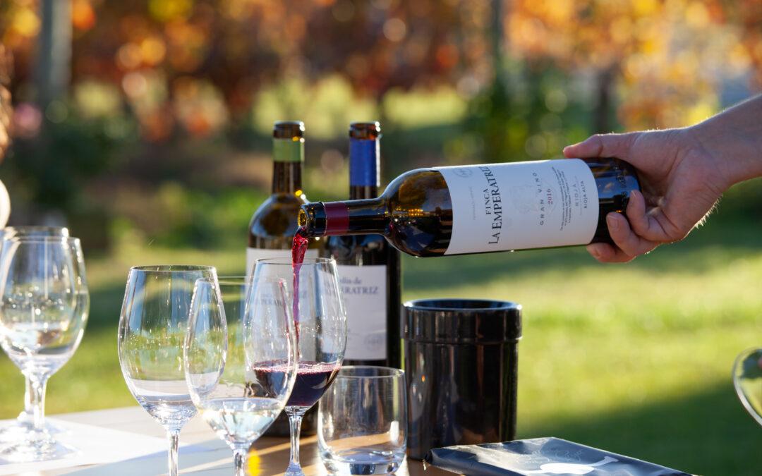 FINCA LA EMPERATRIZ APOYA A LA HOSTELERÍA RIOJANA CON BECAS PARA LA CERTIFICACIÓN EN VINO DEL WSET (Wine & Spirit Education Trust).