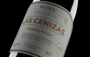 Las-Cenizas-2018-primer-plano-botella